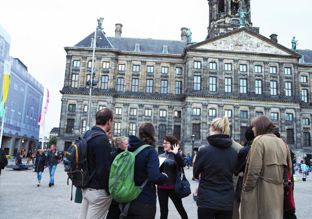 Tour group in Dam Square, Photo by Dana Marin