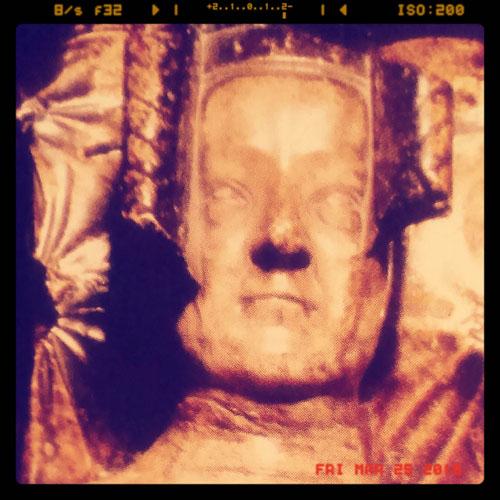 Photo of sculpture of Philippa of Hainault